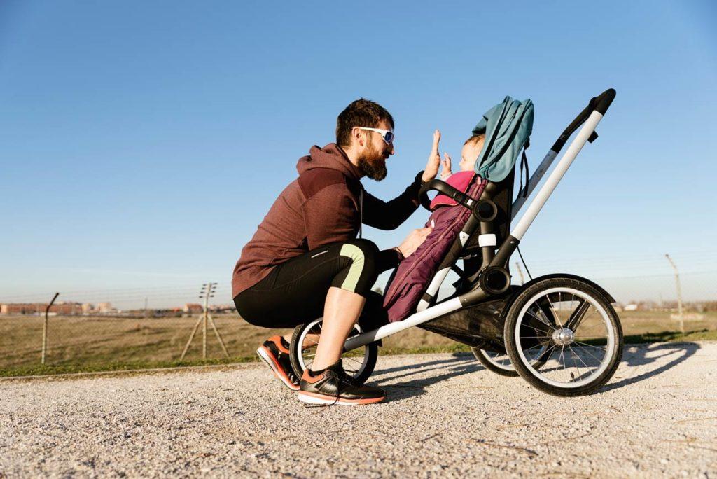 Bien choisir une poussette pour faire du sport avec son bébé